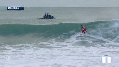 Sexta etapa da Liga Mundial de Surfe começou - Gabriel Medina e Filipe Toledo largaram bem.