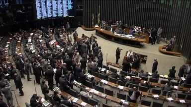 Câmara rejeita urgência na renegociação de dívida dos estados - Governo Temer foi derrotado na Câmara ao tentar fazer andar com urgência um acordo de renegociação de dívidas com os governadores dos estados.