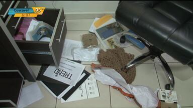 Polícia investiga roubo na prefeitura de Cianorte - Bandidos levaram cofre e um carro oficial