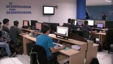 Sobram vagas de emprego no setor de tecnologia da informação em Maringá - Maringá se tornou polo do setor de T.I no Paraná