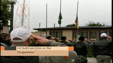 Brigadianos e agentes da GM de Uruguaiana prestam homenagem a PM morto, RS - O PM Luiz Carlos Gomes da Silva Filho foi morto durante uma abordagem em Porto Alegre.