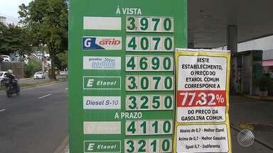 Valor do litro da gasolina volta a passar dos R$ 4 em Salvador; veja preços no estado - O motorista tem reparado as oscilações dos preços; confira na reportagem.