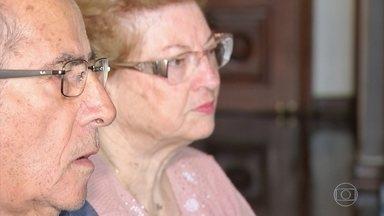 Exercícios de memória e atividades físicas ajudam no controle do Alzheimer - Seu Nelson tem 78 anos e sempre foi um exemplo de vitalidade. De uma hora para a outra, a memória começou a falhar. Ele deu muita atenção para aquele sinal e descobriu que tinha Alzheimer.