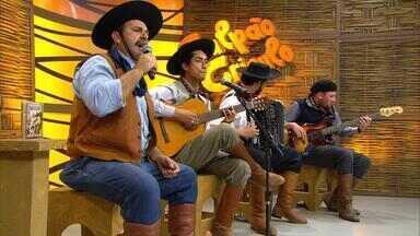 Jari Terres toca 'Pra Escutar Minhas Vaneiras Lá Fora' para a web - Assista ao vídeo.