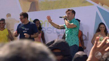 Centenas de atendimentos gratuitos: Salvador recebe mais uma edição do Bem Estar Global - Programa da Rede Globo foi exibido ao vivo nesta sexta (15) da praça Osório Vilas Boas, na Boca do Rio.
