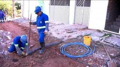 Moradores de Parelheiros ganham na Justiça direito de ocupar área de manancial - Moradores do Jardim Manacá da Serra ganharam na Justiça o direito de ocupar a área, que é de manancial. Falta a Sabesp instalar água e esgoto.