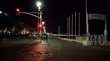 Veja a cronologia do atentado em Nice que matou mais de 80 pessoas - O atentado aconteceu numa noite de festa em todo o país. Quinta-feira, 14 de julho, 22h45, um caminhão branco entra na Avenida Promenade des Anglais.
