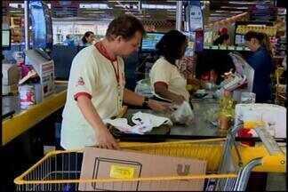 Empresas de Divinópolis preenchem 88% de vagas para deficientes - Na cidade, das 305 vagas para deficientes no mercado, 269 já estão preenchidas. Analista de RH, Heloisa Santos, comenta os números.