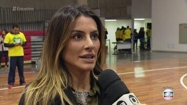 Cleo Pires é anunciada embaixadora Paralímpica - Atriz diz que espera divulgar e fomentar o esporte paralímpico no país. Cleo tenta jogar basquete de cadeira de rodas com a Seleção Paralímpica