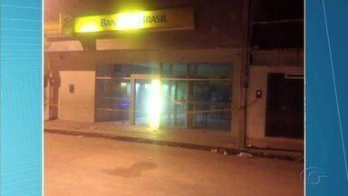 Assaltantes invadem agência bancária em São José da Tapera - Ação não durou mais que 20 minutos.
