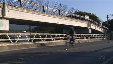 Obra da ponte da Barra da Lagoa tem projeto refeito e agrada moradores - Obra da ponte da Barra da Lagoa tem projeto refeito e agrada moradores, mas segue sem data de retomada dos trabalhos