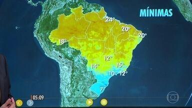 Confira como fica o tempo nesta sexta-feira (22) e no fim de semana - Chuva deve continuar no litoral sul da Bahia. Em boa parte do leste do Sudeste, o dia também será de tempo fechado.