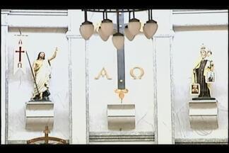 Festa em louvor à Nossa Senhora do Carmo segue até o fim de semana em Uberaba - Evento católico é realizado na Paróquia da Ressurreição. Pároco Paulo Portes fala sobre o encontro.