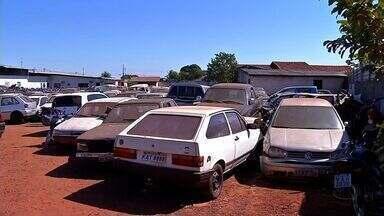 Guinchos guardam veículos apreendidos nos próprios pátios em Tangará - Guinchos guardam veículos apreendidos nos próprios pátios em Tangará.