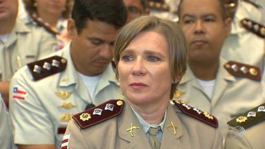 Major é escolhida como a primeira mulher a assumir uma Companhia da PM em Salvador - A Major Milanezi tem 46 anos e há 26 trabalha na corporação.