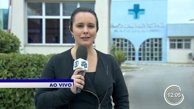 Criança de oito anos foi baleada na perna na zona leste de São José - Ela brincava na rua quando foi atingida.