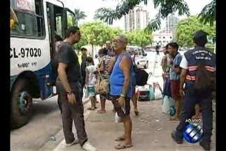 Movimentação no Terminal de São Brás é intensa com destino à Ilha de Mosqueiro - Veranistas formam longas filas em Belém para curtir o fim de semana nas praias do distrito.
