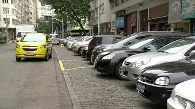 Estacionamento será proibido em 260 ruas do Rio durante a Olimpíada - Vai ficar mais difícil estacionar em vários pontos da cidade devido aos jogos olímpicos. As vagas vão sumir de 260 ruas próximas aos locais das competições.