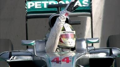 Pela quinta vez, Lewis Hamilton vence o GP da Hungria de F1 - Com a vitória, Hamilton tomou a liderança do campeonato mundial. O brasileiro Felipe Nasr ficou em 17º, seguido por Felipe Massa, que teve problema na direção hidráulica.