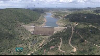 Caruaru terá mais dias sem água a partir desta quinta - Mudança no calendário do abastecimento foi motivada pelo baixo nível das barragens do Agreste. A de Jucazinho funciona com apenas 0,36% da capacidade de armazenamento.
