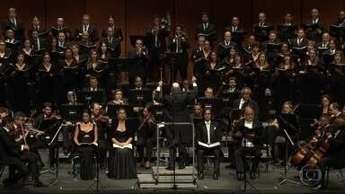 Palácio das Artes recebe apresentação de uma das obras mais belas de Mozart - Obra foi interpretada pelo Coral Lírico e pela Orquestra Sinfônica de Minas Gerais, com participação de solistas convidados, sob a regência do maestro Roberto Tibiriçá.