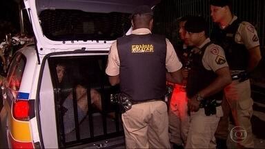 Homem é preso suspeito de roubar carro em Belo Horizonte - De acordo com a PM, carro foi identificado em patrulhamento de rotina.