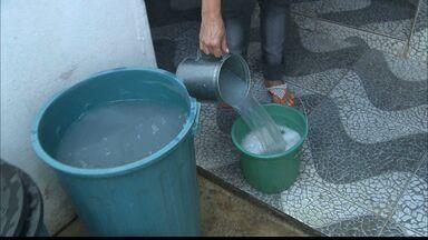 Forte racionamento de água atinge muitas cidades da Paraíba - Na cidade de Lagoa Seca, água só chega de 15 em 15 dias.