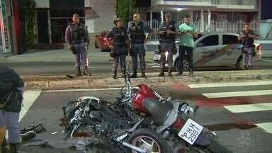 Acidente entre motocicletas deixa grávida ferida em avenida de Manaus - Batida ocorreu no Avenida Maceió, nesta quinta-feira (28).