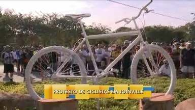 Ciclistas protestam em Joinville - Ciclistas protestam em Joinville