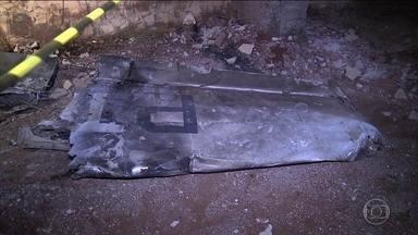 Explosão de avião após queda no Paraná mata oito pessoas - Oito pessoas morreram na queda de um avião de médio porte na noite de domingo (31), no Paraná. O acidente aconteceu em Cambé, perto de Londrina.