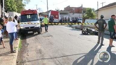 Dois morrem em acidente no centro de Bom Jesus dos Perdões - Piloto perdeu controle da moto e bateu em um muro.