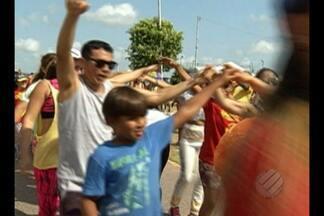 Centenas de pessoas participaram da caminhada da saúde no Portal da Amazônia - O evento da TV Liberal, em parceria com a Sociedade Brasileira de Hepatologia, foi realizado para estimular a população a fazer os testes que identificam a hepatite C.