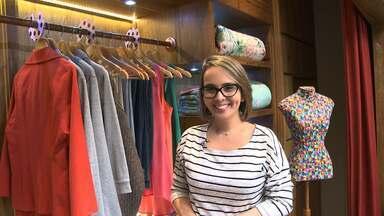 Guarda-roupa: aprenda um jeito barato e fácil de organizar - Priscila Sabóia ensina a fazer divisórias para o armário utilizando CDs velhos