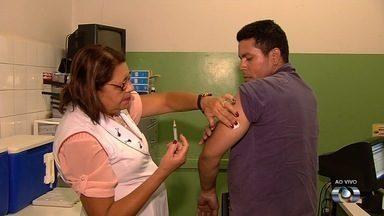 Cais fica aberto até 22h para vacinar pessoas contra febre amarela, em Goiânia - Secretaria de Saúde de Goiânia alerta para que moradores da capital confiram se estão imunizados contra a doença.
