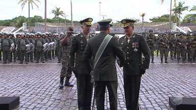 Novo comandante da 6ª região militar toma posse em Salvador - Comandante anterior assume o comando do Nordeste, em Pernambuco.