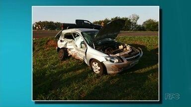Homem morre e duas pessoas ficam feridas em acidente em Indianópolis - Segundo a Polícia Rodoviária Estadual, um carro foi atingido por uma caminhonete quando cruzava o trevo de acesso a Indianópolis. O passageiro Antônio Martins Fagundes, de 73 anos, morreu no local.