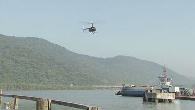 Equipes fazem buscas por pessoas que sumiram em barco na última sexta-feira - Buscas estão concentradas em Guarujá, no litoral de São Paulo.