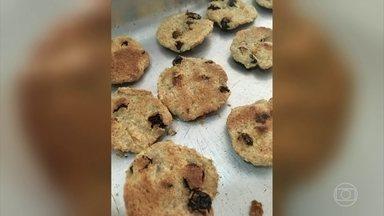 Confira uma receita de biscoito de aveia sem adoçante ou açúcar - De acordo com a nutricionista Cristina Menna Barreto, o biscoito mata a vontade comer doce no final do dia. Na receita, são usados damascos e uvas passas.
