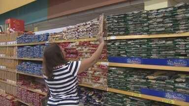 Preço da cesta básica em Manaus tem a 3ª maior alta do país, diz Dieese - Tomate, feijão e manteiga ajudaram a elevar custo dos produtos na capital.