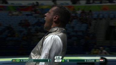 Brasileiro perde na esgrima para egípcio - Brasileiro Henqirue Marques perde na esgrima para egípcio