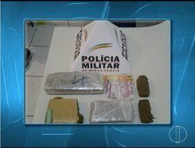 Menor, de 16 anos, é apreendido, em Salinas, transportando maconha - Ele transportava tabletes da droga, num total de quase 2 quilos da substância.