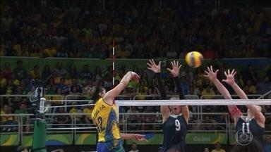 Brasil perde para China no vôlei feminino e é eliminado da Olimpíada - A partida da seleção feminina de vôlei brasileira contra as chinesas foi decidida até os últimos minutos, mas acabou na eliminação do Brasil.