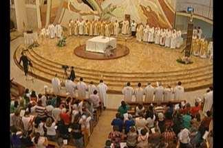 Missa na Catedral de Castanhal reuniu dezenas de bispos - Religiosos vieram a Belém participar do Congresso Eucarístico Nacional