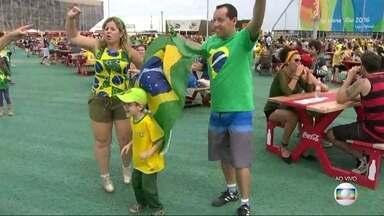 Cariocas e turistas já sentem falta da Olimpíada - Muita gente aproveitou o penúltimo dia da Olimpíada para conhecer e curtir o Parque Olímpico