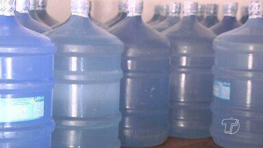 Problema de falta de água gera custo extra para santarenos - Como alternativos para amenizar os transtornos, muitos estão comprando água mineral.