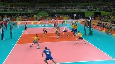 Brasil derrota a Rússia por 3 x 0 e vai à quarta final olímpica consecutiva no vôlei masculino - Brasil derrota a Rússia por 3 x 0 e vai à quarta final olímpica consecutiva no vôlei masculino.