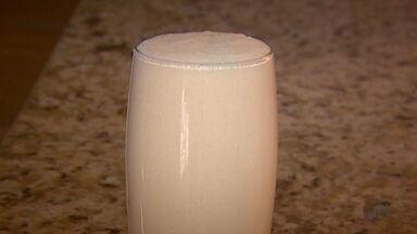 Fernando Kassab ensina receita de coalhada com suco de pêssego e mel - Fernando Kassab ensina receita de coalhada com suco de pêssego e mel