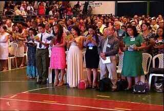 Testemunhas de Jeová se reúnem em Juazeiro do Norte em congresso regional - Discursos, entrevistas, filmes integram a programação. Estimativa é de que 5 mil religiosos participem dos dois dias de encontro.