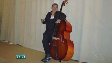 Contrabaixista de orquestra atingido por vidraça no ES está grave - Joelson Moreira Pinheiro atua na Orquestra Sinfônica do Espírito Santo.Acidente aconteceu na manhã deste sábado (20), no Centro de Vitória.