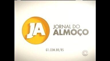 Candidatos realizam atividades de agenda de campanha em Pelotas - Jornal do Almoçou acompanhou dois candidatos à prefeito de Pelotas nesta quarta-feira.